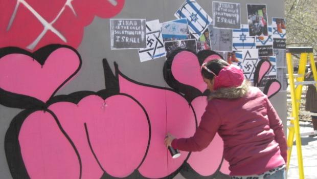 Prior to this project, Artists 4 Israel brought graffiti artists to Sderot to brighten up some of the city's shelters.