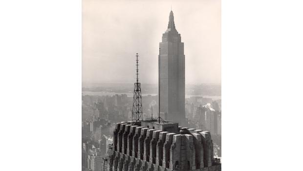 The WQXR-FM antenna on the 54-story Chanin Building at 42nd St. and Lexington Ave. went into operation on Dec. 15, 1941. Previously in Long Island City, it moved to the Empire State Building in 1965.