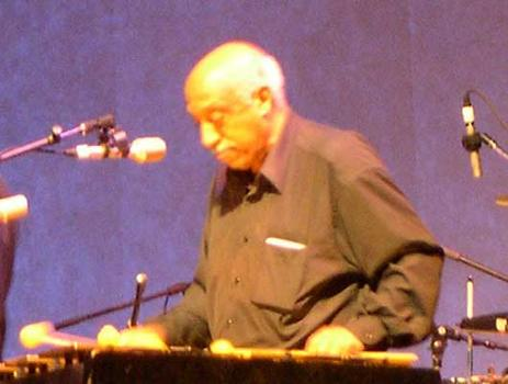 <strong>Mulatu Astatqe, a leader on the Ethiopian music scene. Besides playing vibes, he's also a composer, arranger, and keyboardist. WFC, 11/12/04.</strong>
