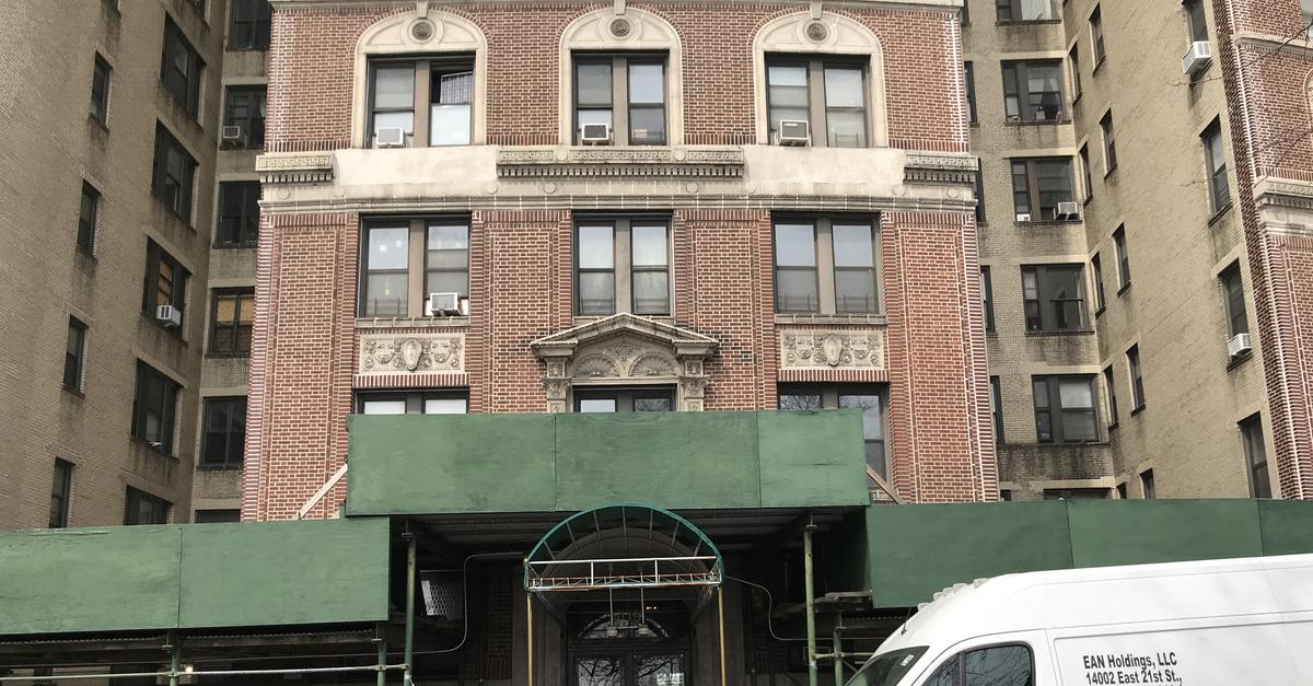 The Oldest Sidewalk Scaffold in New York City Tells All
