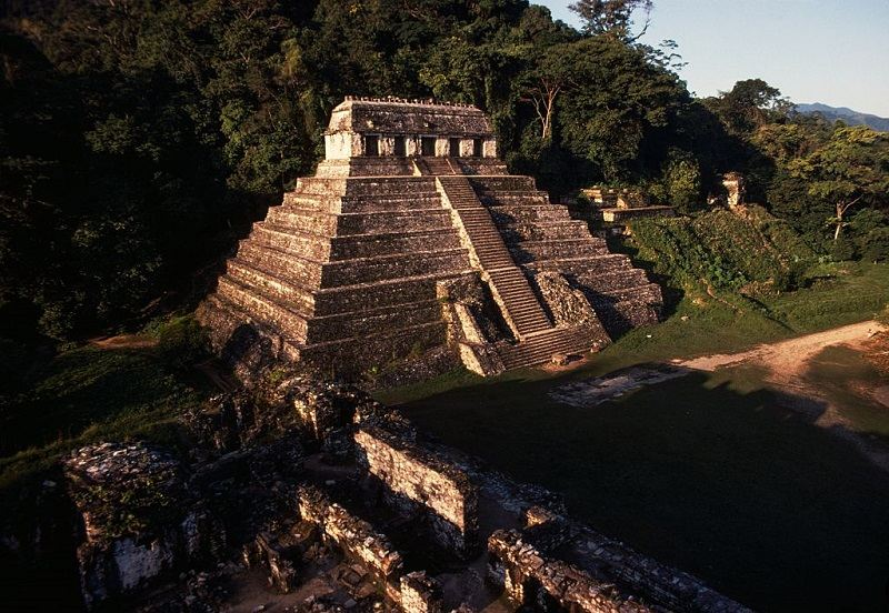 the mayan empire The maya civilization were people who lived in mesoamerica, with maya languages and maya religion they lived there for a long time and some of the maya people live.