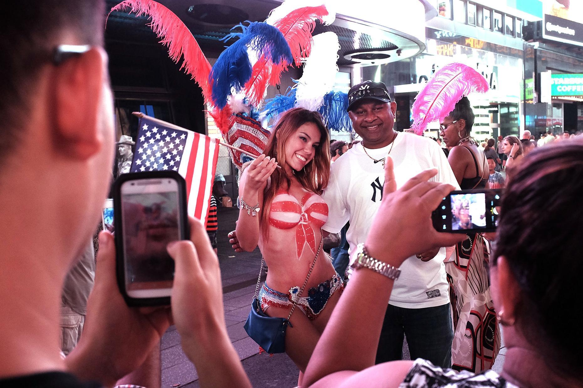 Kourtney Kardashian Wears Trench Coat With Addison Rae In New York