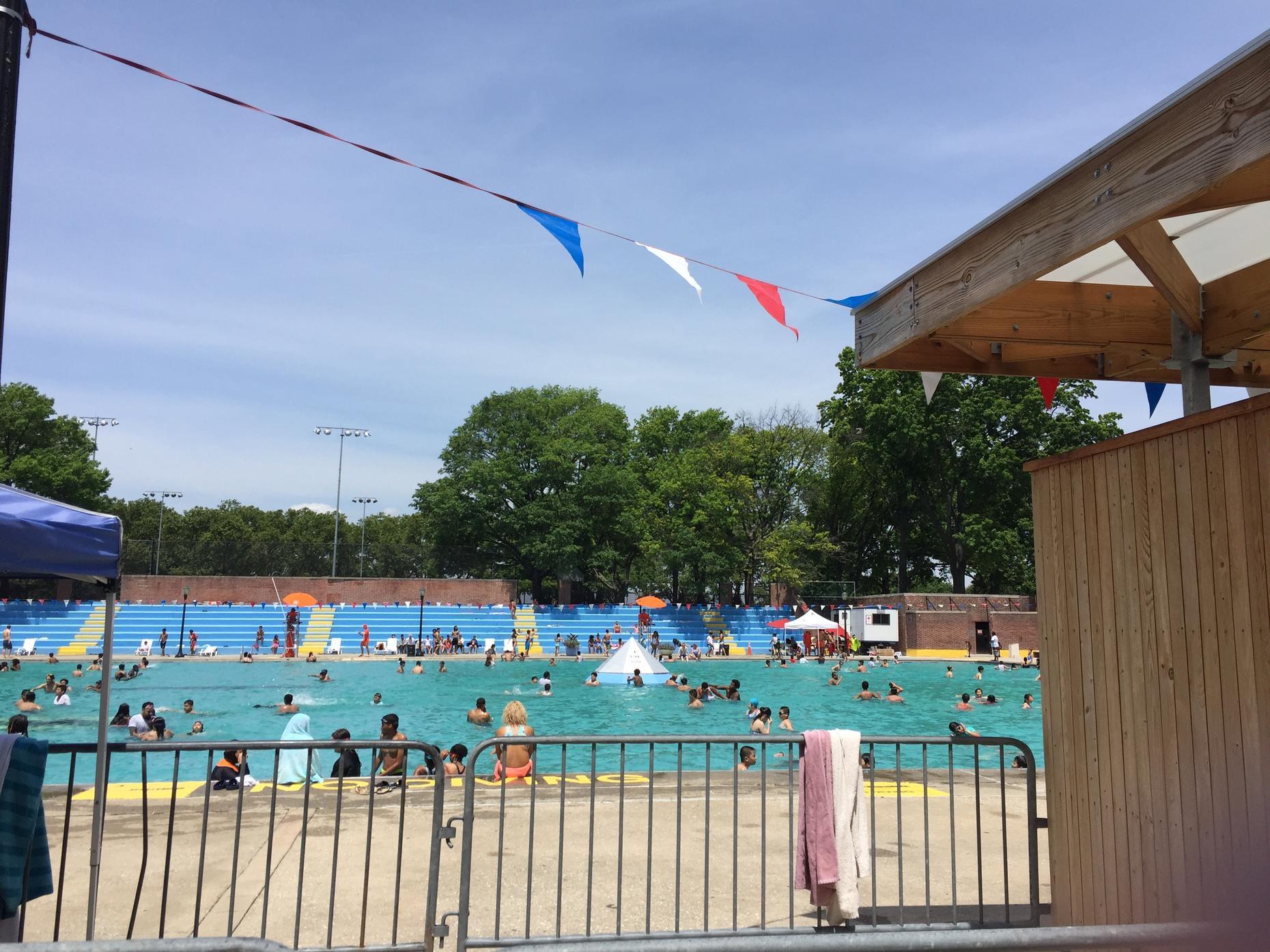 Free Summer Stuff Nyc 39 S Public Pools Wnyc New York Public Radio Podcasts Live Streaming