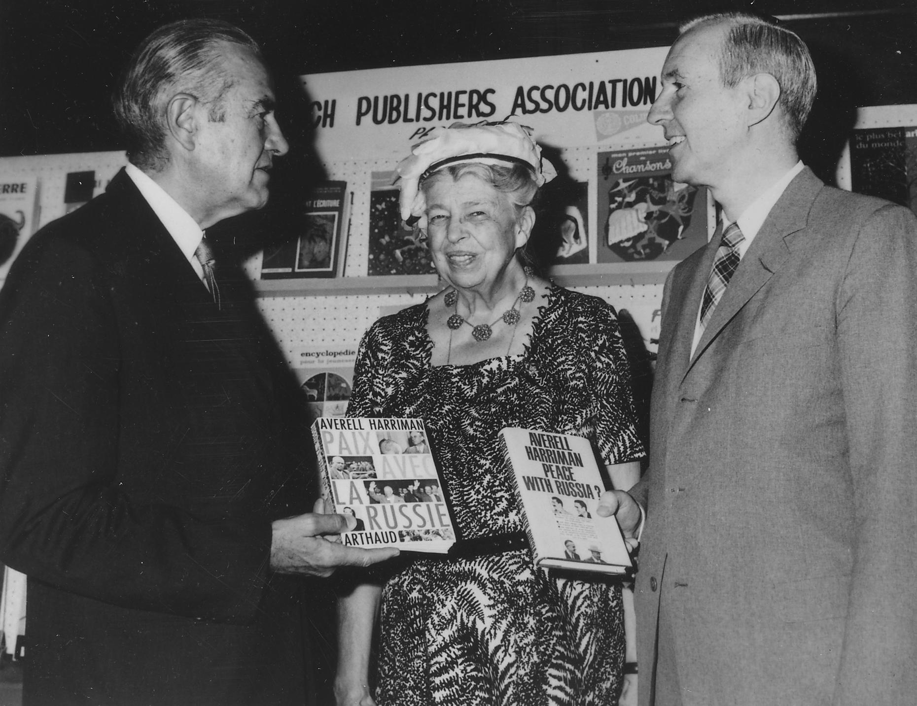 Eleanor-Roosevelt-and-Averell-Harriman-NARA-196126.jpg