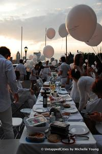 The 2011 Dîner en Blanc at the World Financial Center in New York.