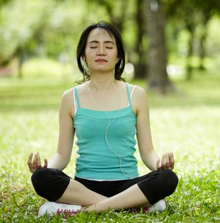yoga with earbuds