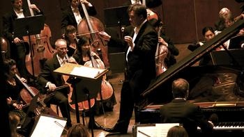 The New York Philharmonic and soloist Leif Ove Andsnes perform Beethoven's Piano Concerto No. 3 in C minor.