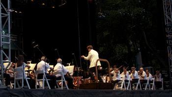 Alan Gilbert leads the orchestra in Tchaikovsky's Symphony No. 4.