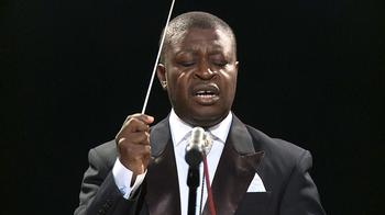 Conductor and founder of the group Armand Diangienda