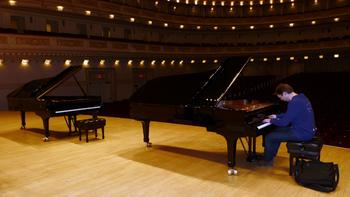 Leif Ove Andsnes tests the Hamburg Steinway.