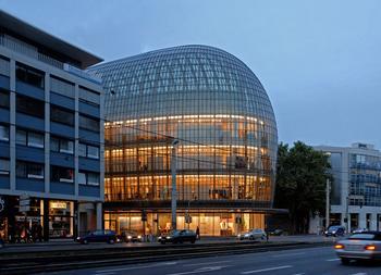 Renzo Piano's Peek & Cloppenburg department store in Köln, Germany.