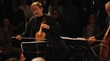 Jordi Savall playing music from Jerusalem: City of two Peaces - Heavenly Peace and Earthly Peace