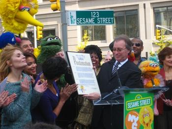 """Officials Proclaim November 10, 2009 """"Sesame Street Day"""" in NYC"""