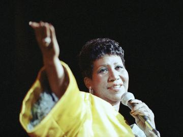 Entertainer Aretha Franklin performs at New York's Radio City Music Hall, July 6, 1989.