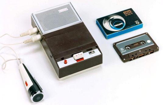 The first Compact Cassette recorder: Philips EL 3300. Source