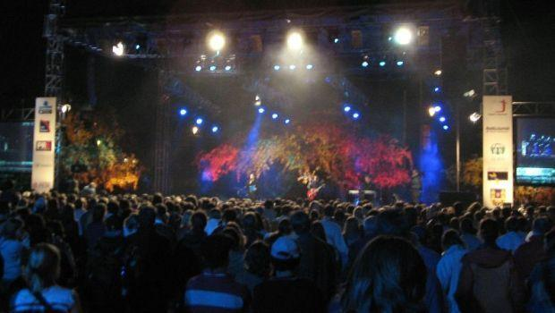 Hurricane Katrina benefit concert organized in Prague, Czech Republic