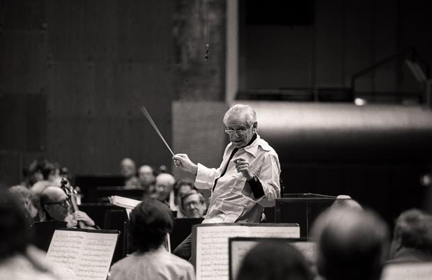 Leonard Bernstein conducts the New York Philharmonic in Avery Fisher Hall, November 26, 1985.