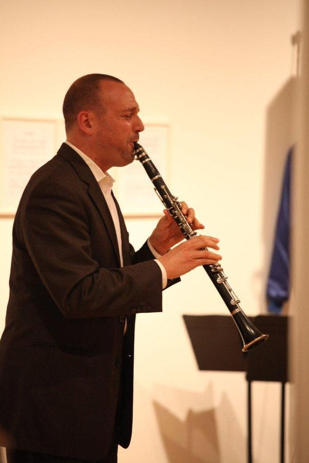 Composer-clarinetist Derek Bermel