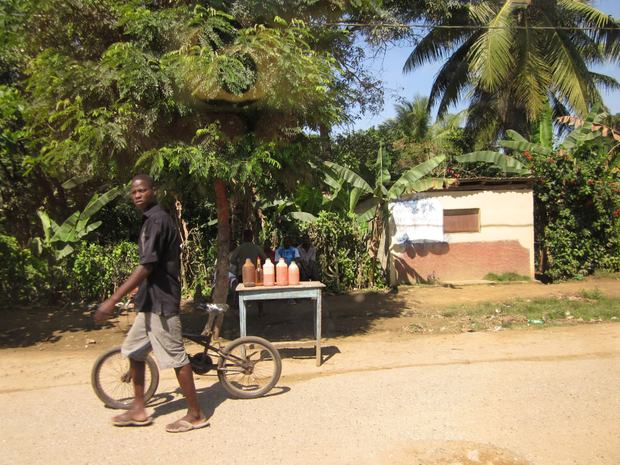A gas station in the road between Milot and Cap Haitien, where the civil section office is.