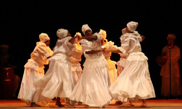 The Oyo Oro group performs 'Bembe' in 2010.