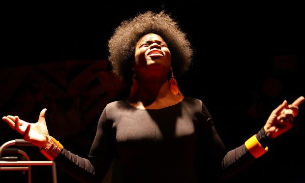'Rie Shontel performs as her mother, Mabel Ree, who died of cancer, as part of her one-woman show 'Mama Juggs.'