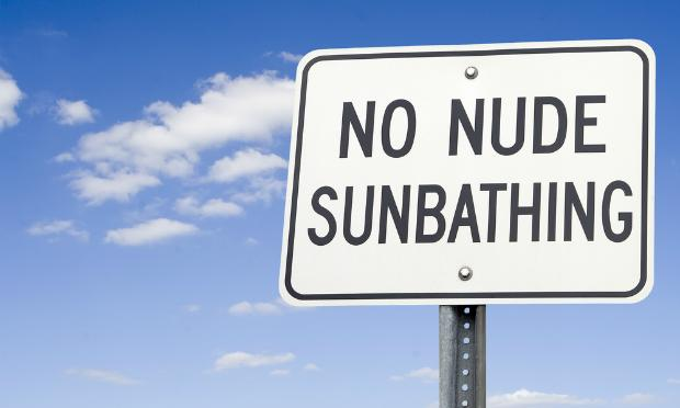 no nude sunbathing