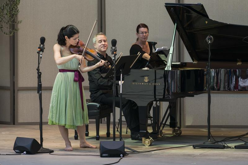 Jennifer Frautschi (violin) and Jeremy Denk (piano) perform Charles Ives' Sontas for Violin and Piano
