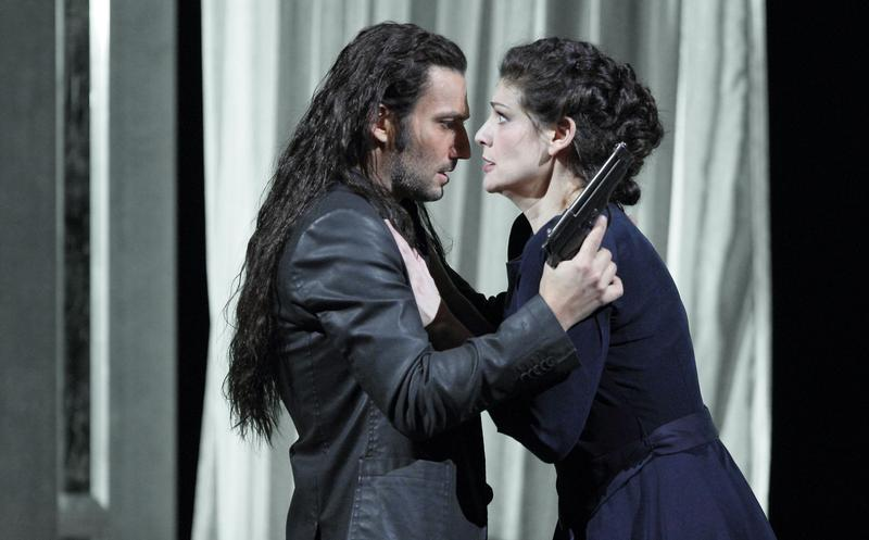 Anja Harteros as Leonora and Jonas Kaufmann as Don Alvaro in <em>Forza del Destino</em>.