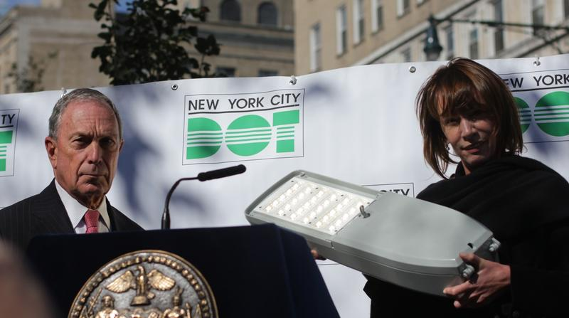 Mayor Michael Bloomberg and Transportation Commissioner Janet Sadik-Khan show the new LED fixture that will go into the 'cobra-head' streetlights around the city.