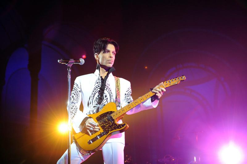Prince performs on Oct. 11, 2009 at the Grand Palais in Paris. (Bertrand Guay/AFP/Getty Images)
