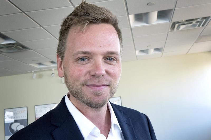 Author Nathan Hill. (Robin Lubbock/WBUR)