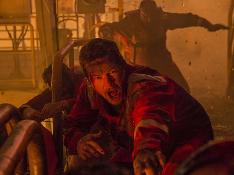 Mark Wahlberg in the terse, tight <em>Deepwater Horizon.</em>