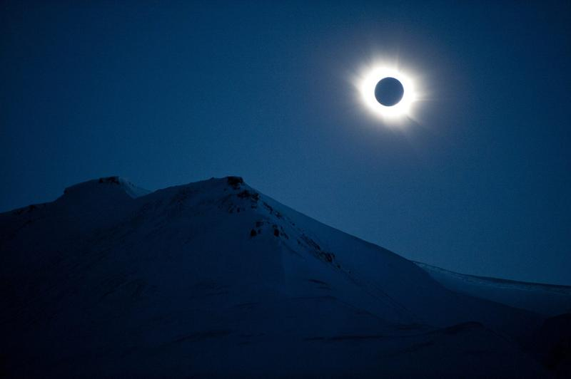 A total solar eclipse can be seen in Svalbard, Longyearbyen, Norway, in March 2015. (Jon Olav Nesvold/AFP/Getty Images)
