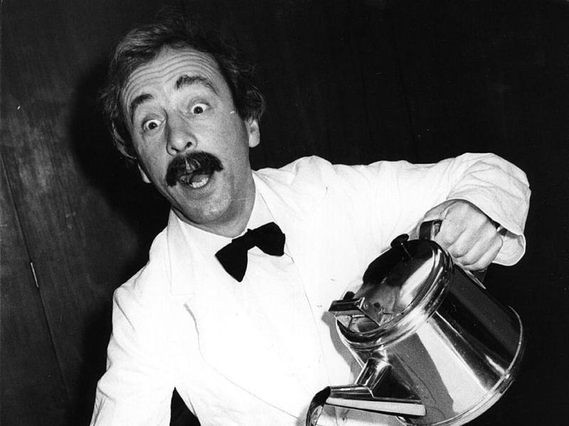 <em>Fawlty Towers</em> actor Andrew Sachs was photographed in a 1981 training manual for caterers.