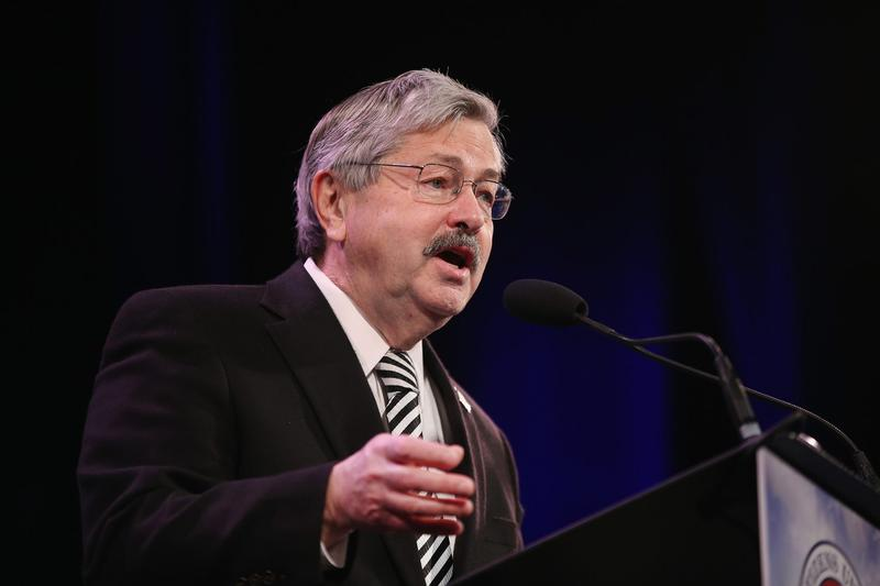 Iowa Governor Terry Branstad speaks to guests  at the Iowa Freedom Summit on Jan. 24, 2015 in Des Moines, Iowa. (Scott Olson/Getty Images)