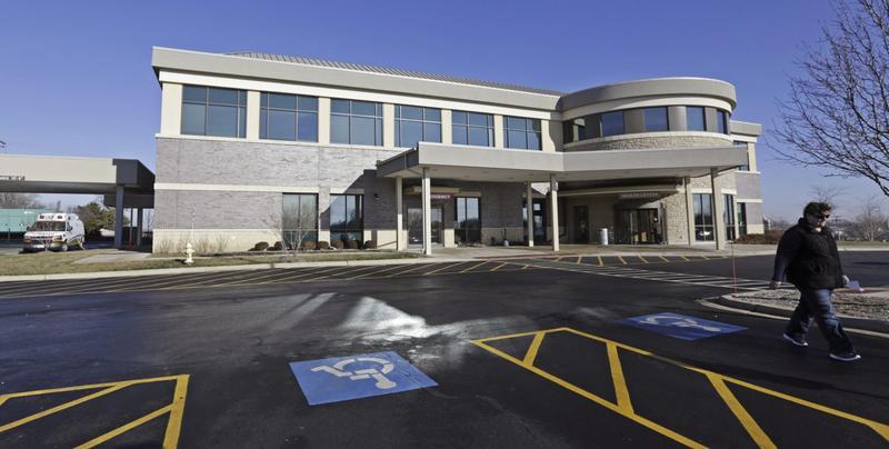 The Silver Cross Emergency Care Center in Homer Glen, Ill., in 2013. (M. Spencer Green/AP)