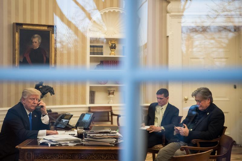 President Donald Trump speaks on the phone with Australian Prime Minister Malcolm Turnbull in the Oval Office of the White House on Jan. 28, 2017 in Washington. (Drew Angerer/Getty Images)