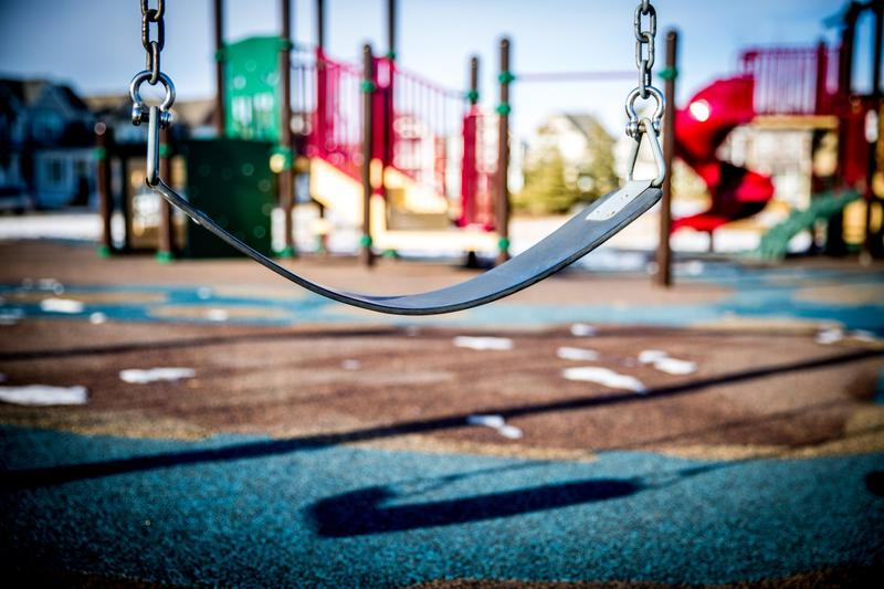 With the onset of spring, children will want to play outside. When they do, parents might be tempted to whip out the hand sanitizer. (laterjay/Pixabay)