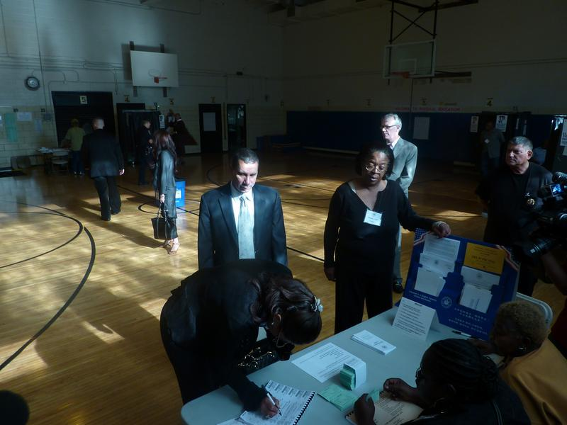Governor Paterson voting in Harlem in 2009