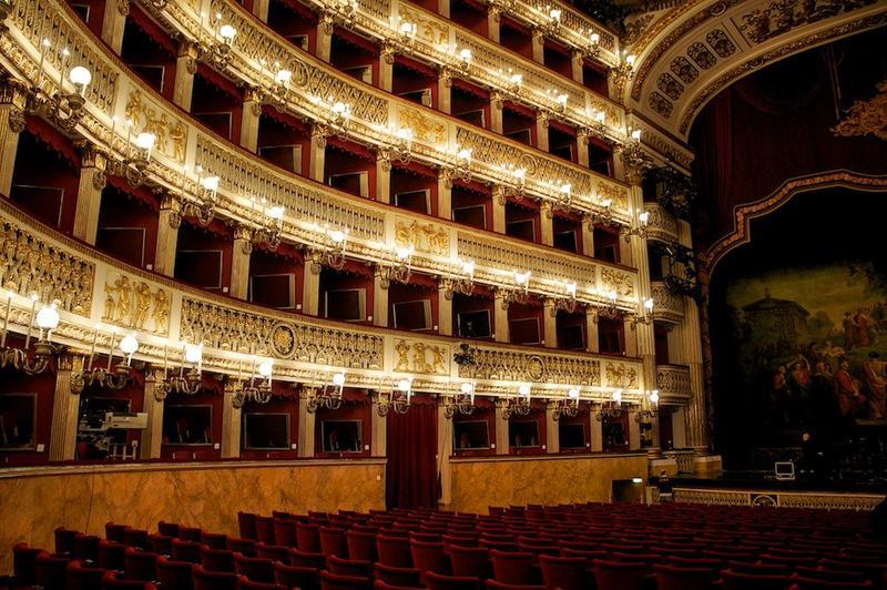 Teatro San Carlo, Napoli, Pasqua.