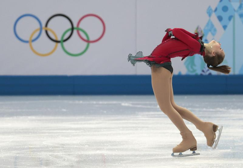 Yulia Lipnitskaya (Russia) skates to John Williams' 'Schindler's List.'