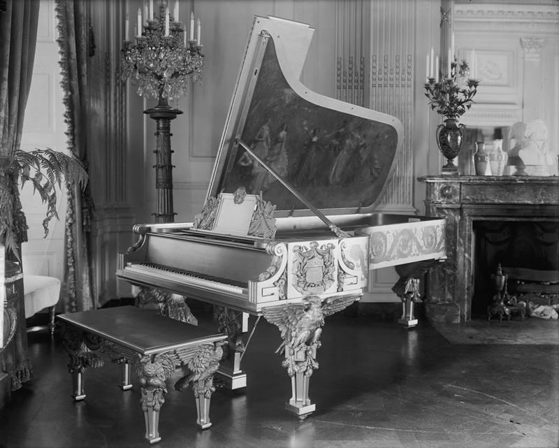 The 1903 'gold' Steinway piano.
