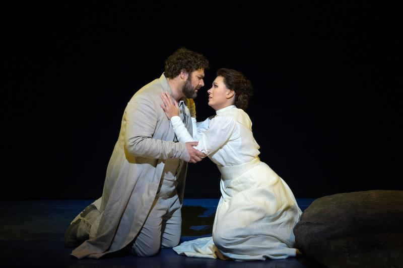 Bryan Hymel as Arnold and Marina Rebeka as Mathilde in Rossini's Guillaume Tell.