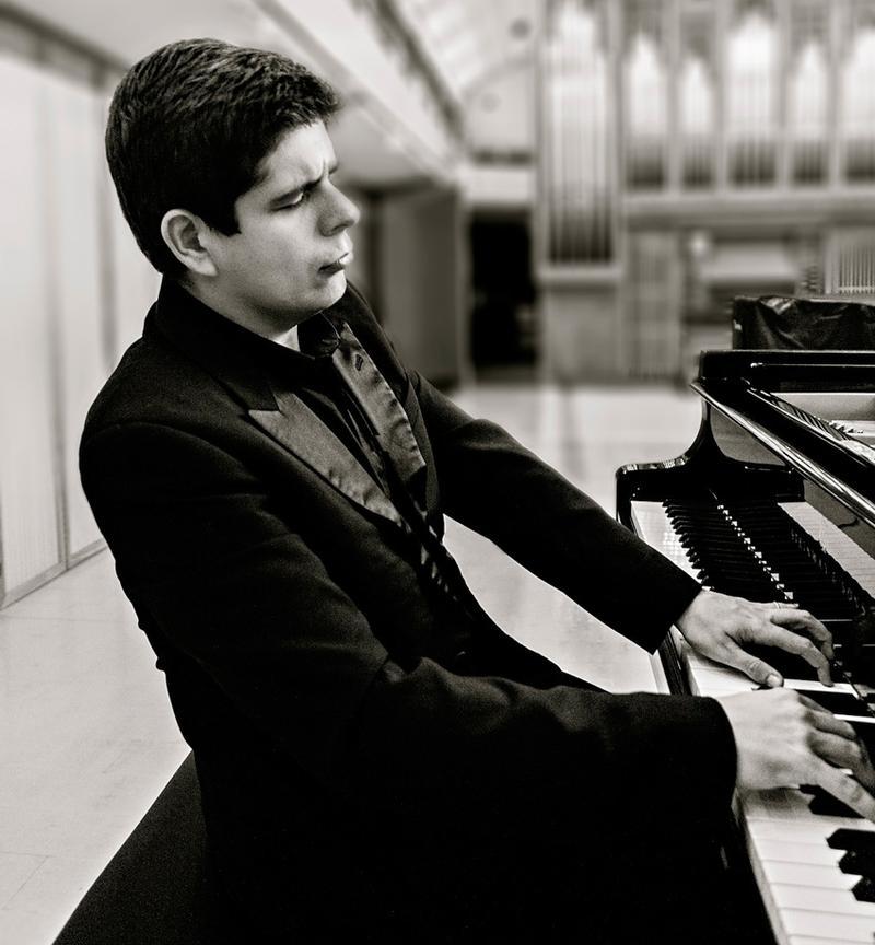 Spanish pianist Javier Perianes.