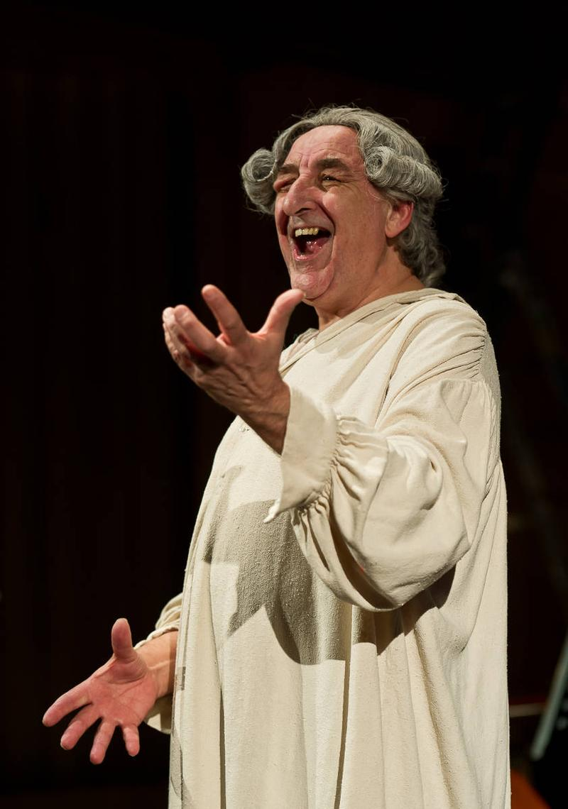 Welsh baritone Kelvin Thomas in the title role of 'Eight Songs for a Mad King'