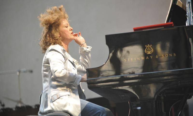 Pianist Lisa Moore