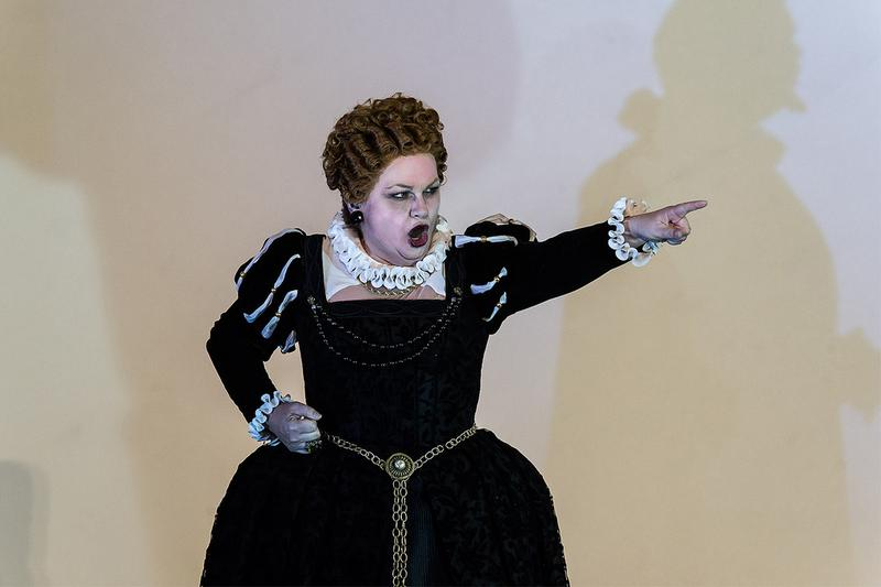 Susan Bullock as Queen Elizabeth I in Gloriana