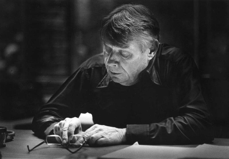 Conductor Robert Shaw was considered the dean of American choral music.