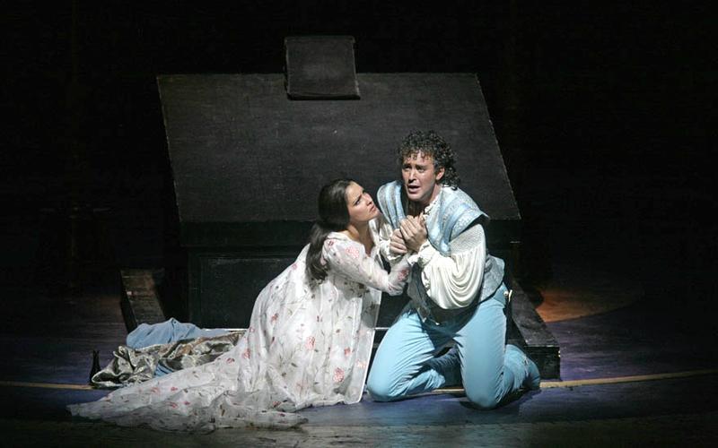 Anna Netrebko and Joseph Kaiser in Gounod's 'Romeo et Juliette' in 2007