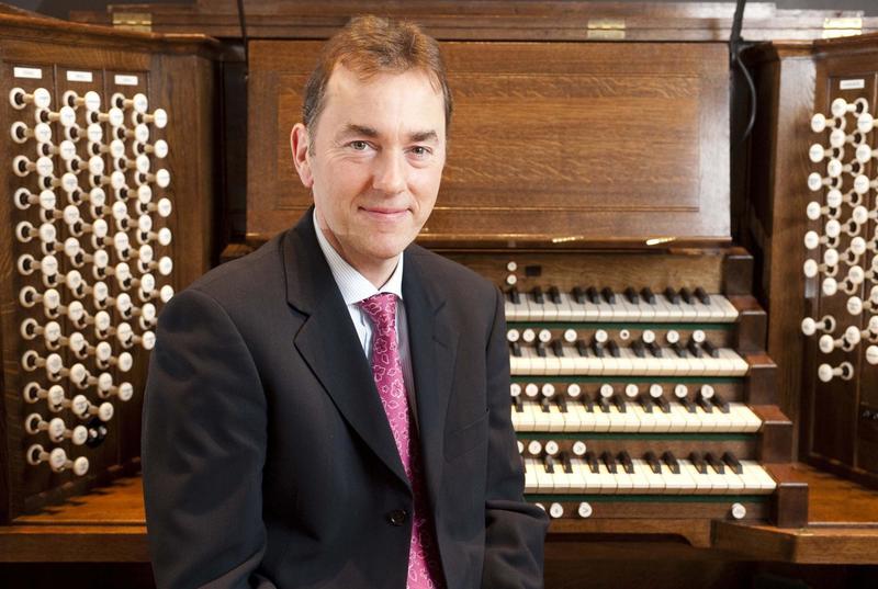 Organist Thomas Trotter.
